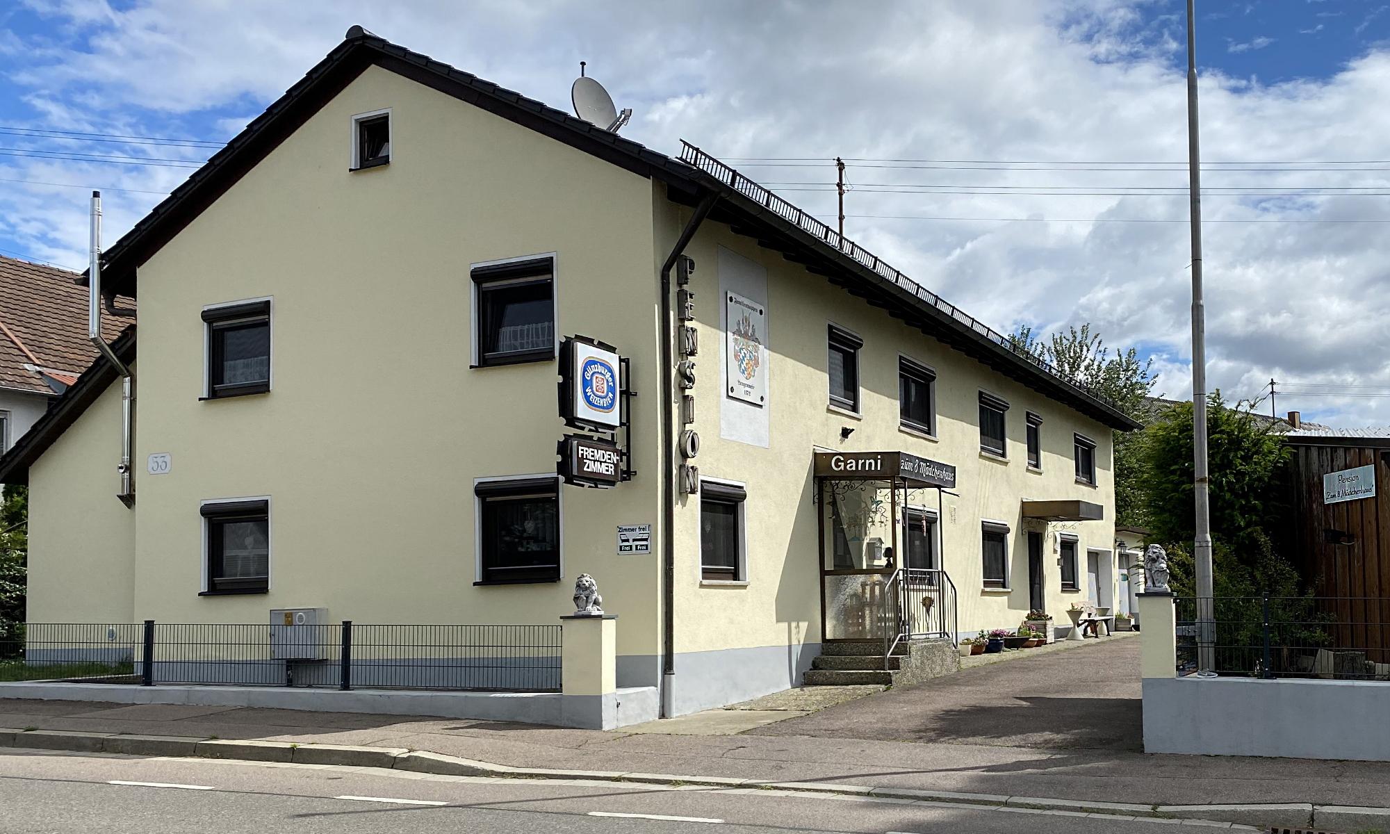 Pension Zum 8 Mädchenhaus